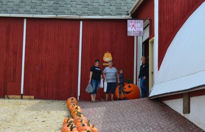 DSC_4216 - barn entrance